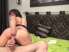 Milf lässt sich ficken ist fistet sich dabei anal